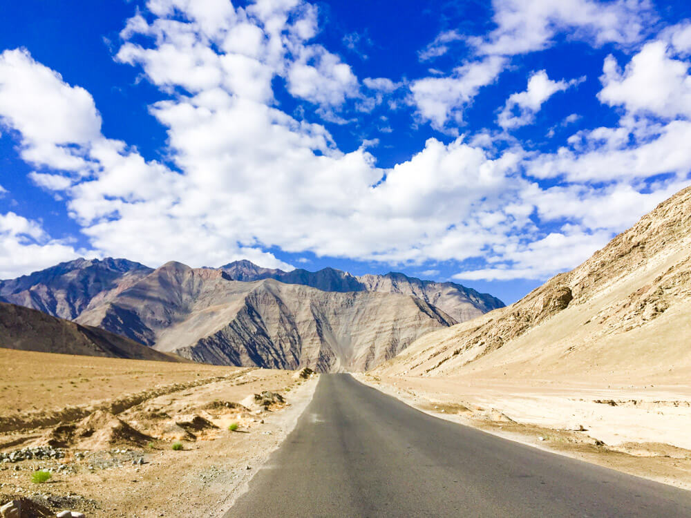 The road that connects Leh with Chilling