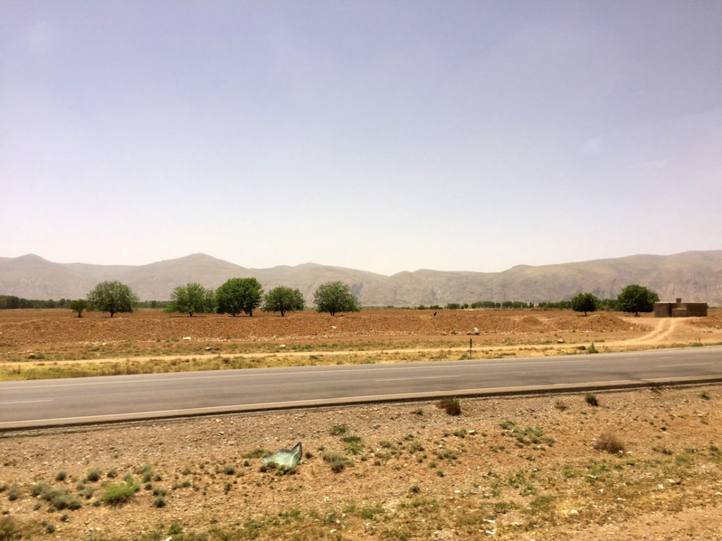 The road from Esfahan to Shiraz