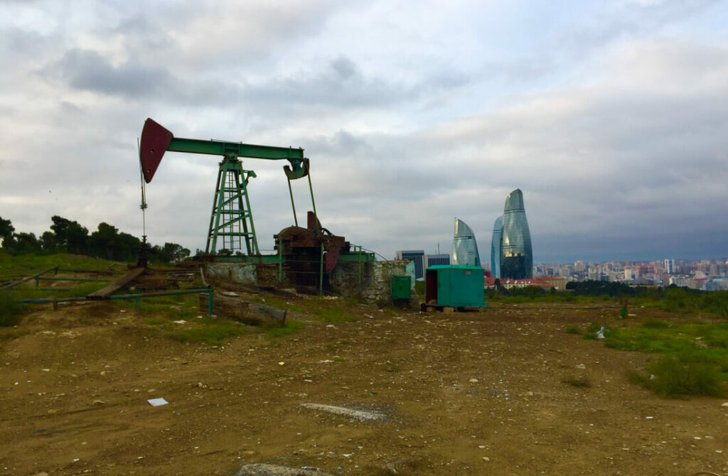 Baku petrol extractors