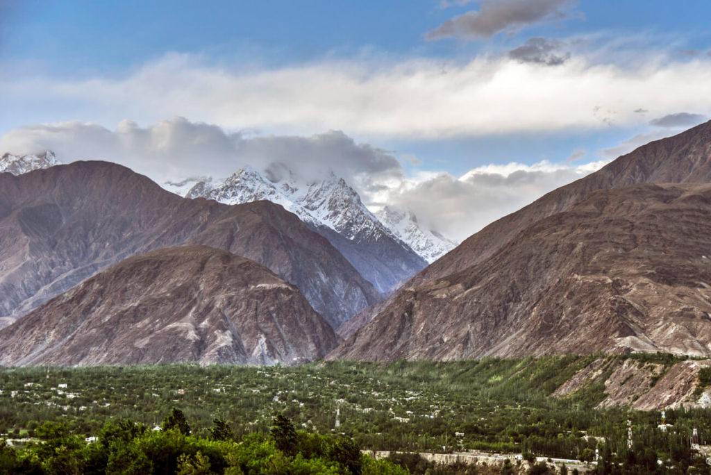 Karakoram Highway travel