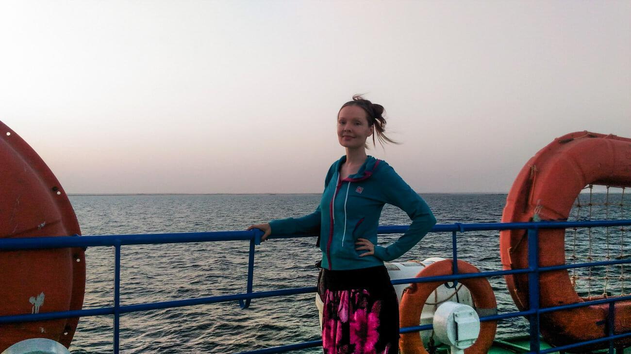 mujer viajando sola sudan
