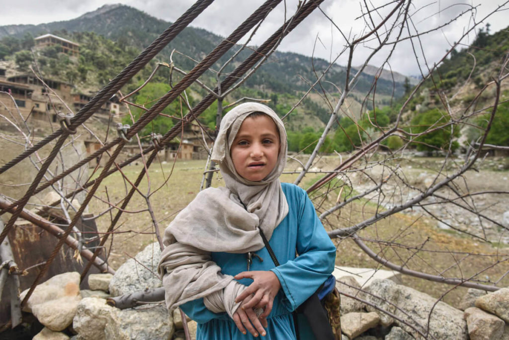 Sneaking into an Afghan village in Pakistan - Against the