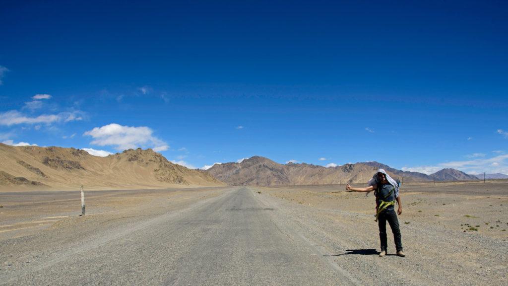 Autoestop en la carretera del Pamir