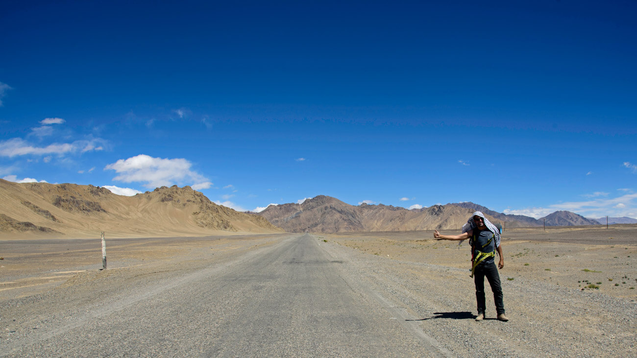 A guide for traveling Tajikistan (Tips + 3-week itinerary) hithhiking pamir highway