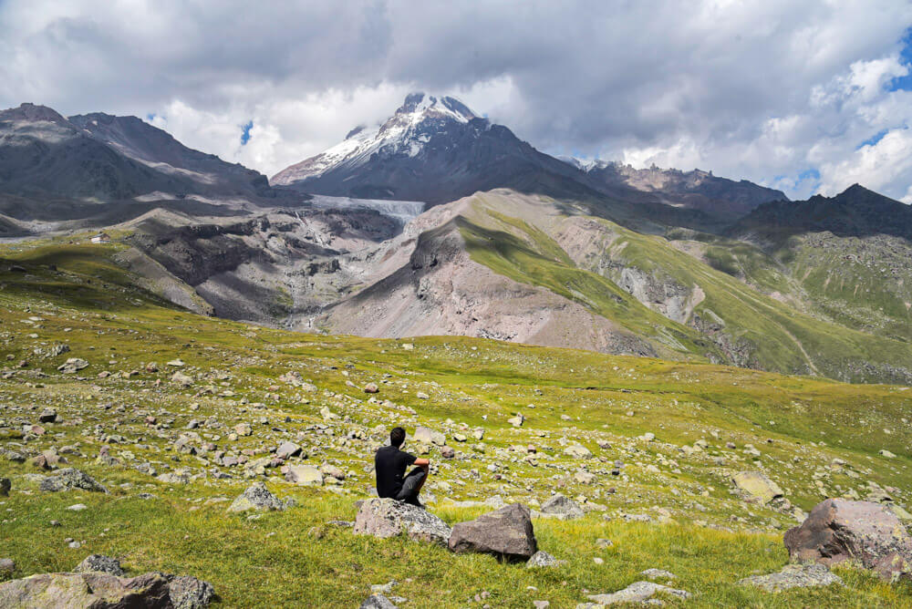 trekking en Kazbegi