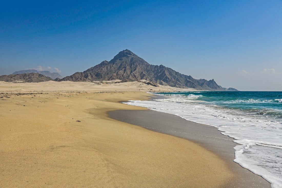 backpacking Oman budget