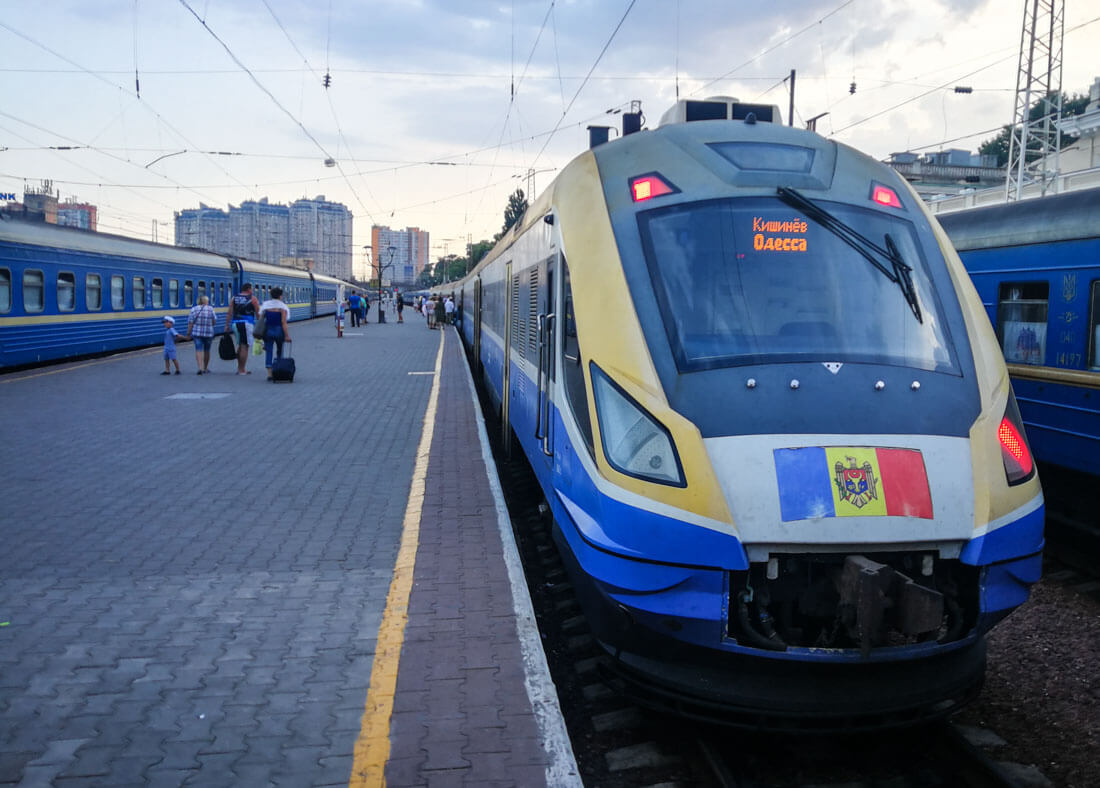 how to get from odessa to chisinau