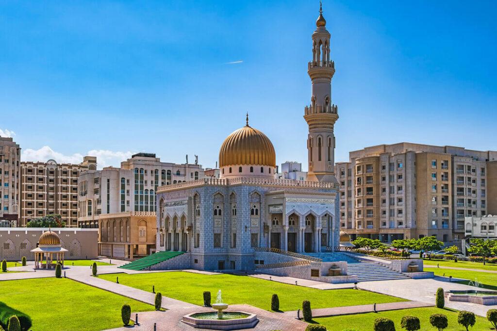 where to stay in Al Khuwair